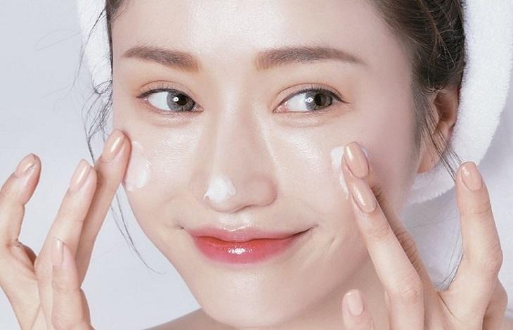 Sử dụng kem dưỡng da thực sự tốt, tại sao không?