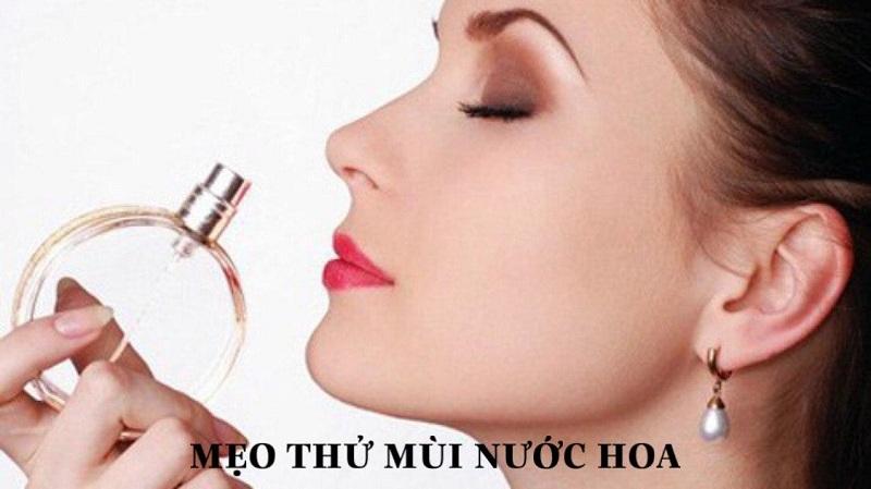 Cách test mùi nước hoa cực kỳ đơn giản.