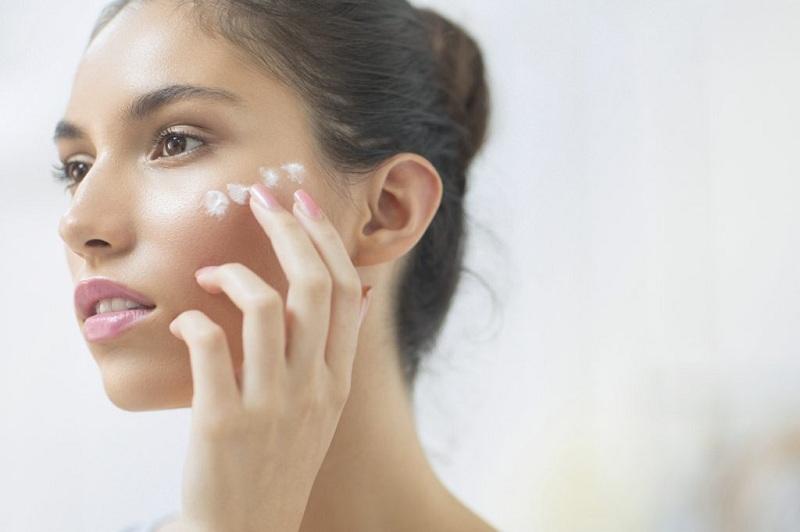 Da đẹp rồi, có nên dùng kem dưỡng da ban ngày không?