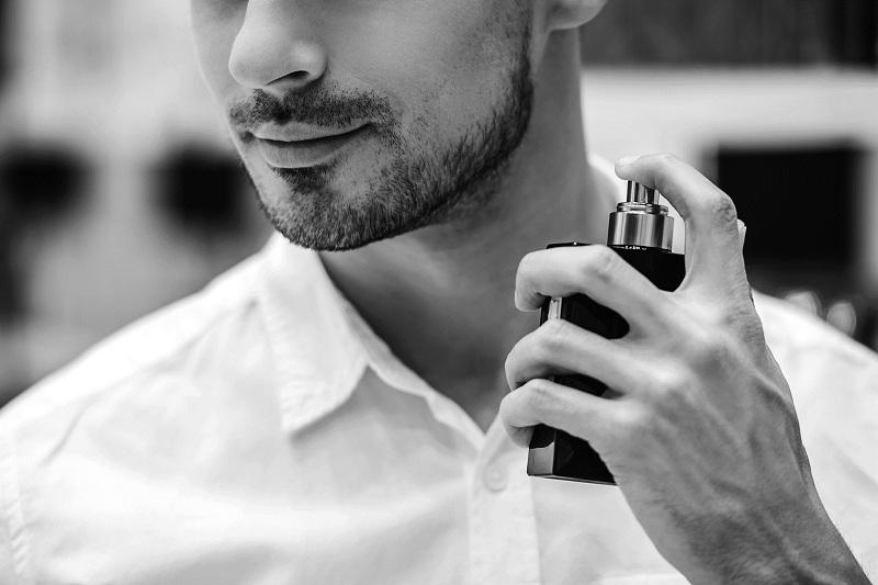 Vì đâu nam giới lại chuộng nước hoa nam mùi lâu nhất.
